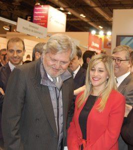 La directora del <a href= http://educalab.es/intef >INTEF</a>, junto al ministro Íñigo Méndez de Vigo en la pasada edición de Aula.