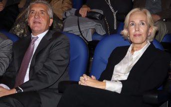 Marta Bello, directora del Sector Educación de ILUNION, y José Manuel Pichel, delegado de la ONCE en la Comunidad Valenciana, en el 46º Congreso de CECE, tras recoger el reconocimiento de CECE a ILUNION por su labor social por la inclusión laboral de las personas con discapacidad. (Foto: Sergio Cardeña)