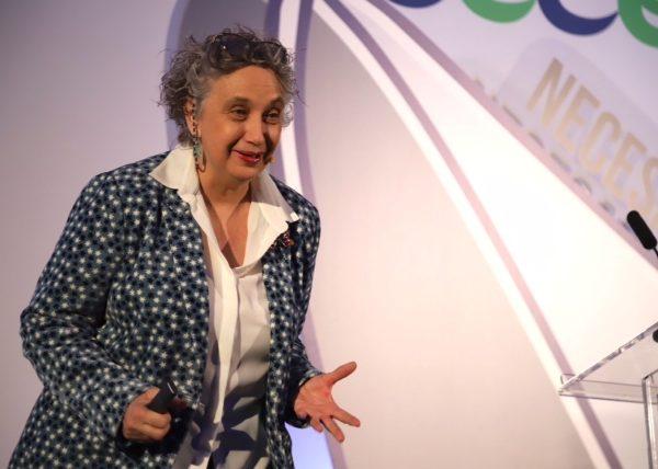"""Carmen Pellicer: """"¿Por dónde empezar el cambio? Por los profesores: son minas de oro"""""""