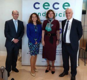 Leandro García Reche, junto a sus compañeros en CECE Andalucía Carmen Mora y Rafael Caamaño, y la viceconsejera de Educación de Andalucía, Marta Escrivà (2ª por la izquierda)