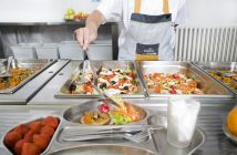 Scolarest, que sirve 125.000 menús diarios en más de 700 colegios, nos cuenta cómo se prepara el comedor escolar para el nuevo curso.