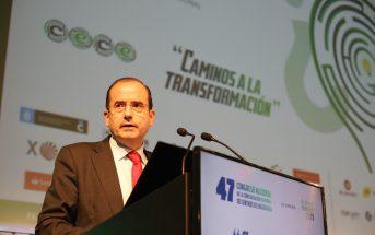 El presidente de CECE, Alfonso Aguiló, clausura el 47º Congreso de CECE en A Coruña. (Foto: Sergio Cardeña)
