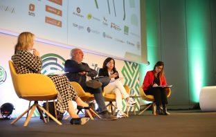 Guillermo Meijón (PSOE) y Sandra Moneo (PP) debatieron en el 47º Congreso de CECE en A Coruña.