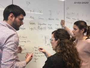 Tres docentes del Arenales Carabanchel durante la preparación del nuevo plan de clases online antes de la cuarentena.