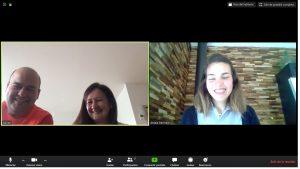 Padres y profesora del NClic de Vitoria conversan en una tutoría online.