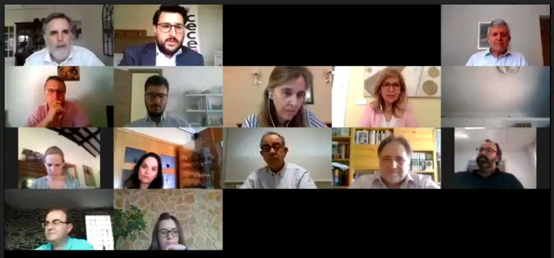 Directivos y responsables de comunicación de los colegios de CECE-Madrid tomaron buena nota de los consejos de López, Quesada, director del Máster Ejecutivo de Comunicación Corporativa de la Universidad de Navarra.