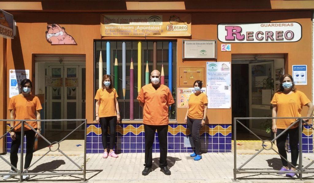 Personal de una de las escuelas infantiles Recreo en Úbeda (Jaén).