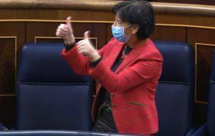 La ministra Isabel Celaá celebra la votación de la LOMLOE el pasado 19 de noviembre en el Congreso de los Diputados.