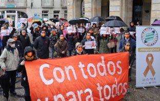 Decenas de concentraciones de Más Plurales este miércoles 16 de diciembre contra la inminente LOMLOE. En la imagen, la de Gijón.