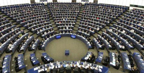 Más Plurales lleva a Europa su batalla contra la LOMLOE