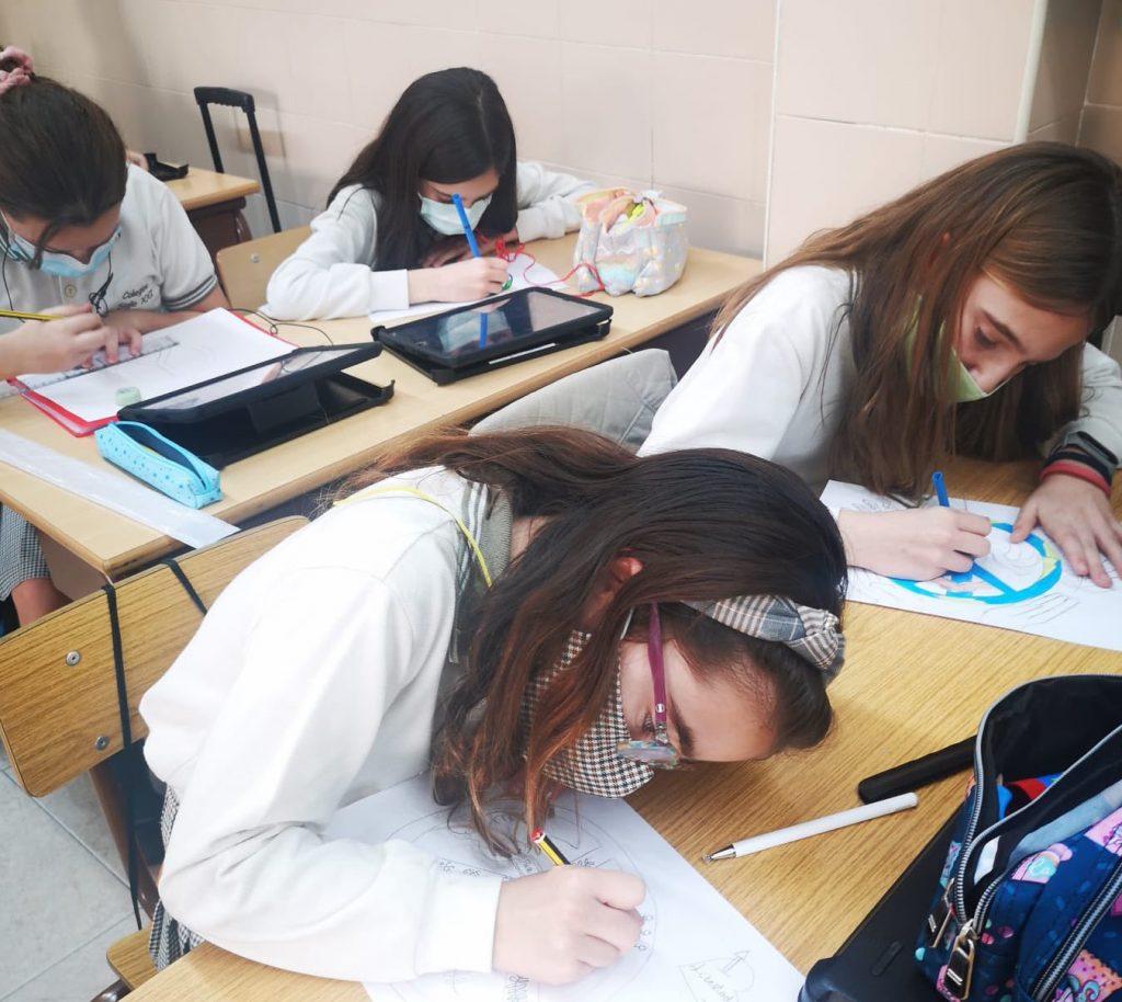 Alumnas del Colegio Marni (Valencia) durante una clase el pasado mes de enero.