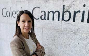 Laura Serrano, directora del Colegio Cambrils, de educación especial, ha escrito 'Historias de niños y de familias especiales' junto a Nacho Martín.