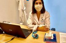 La enfermera Andrea Martínez, en su consulta del Colegio Arenales Carabanchel, de Madrid.